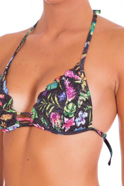 Questo bikini è adatto a seni medi. Il triangolo scorrevole permette di modificare la vestibilità in base ai propri bisogni, diminuendo o allargando la dimensione del triangolo